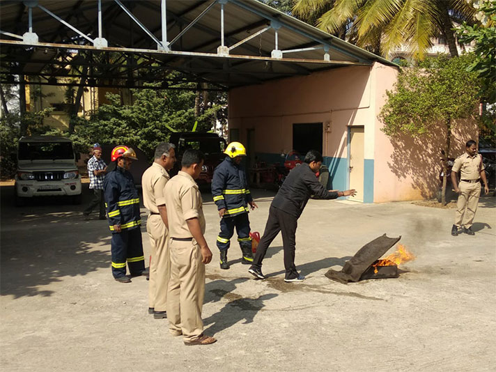NPS Rajajinagar - Our Helpers – A visit to the Fire Station